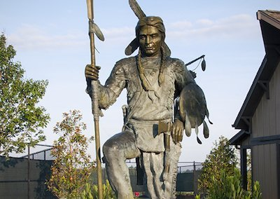 currahee statue