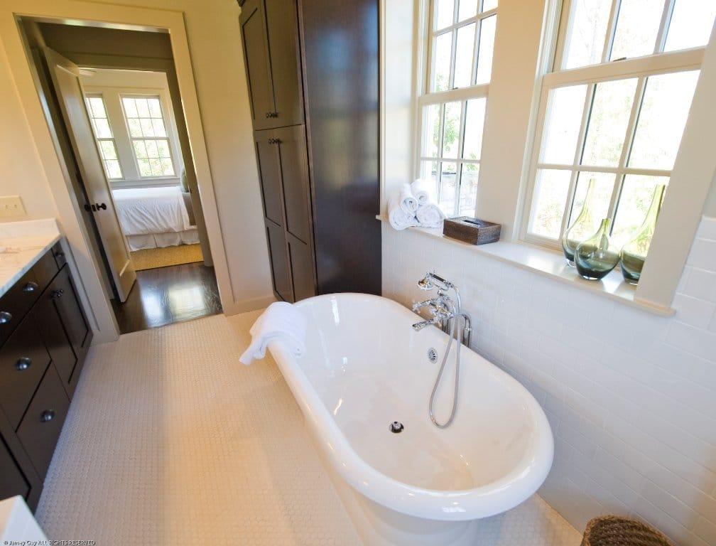 Bracci Bath